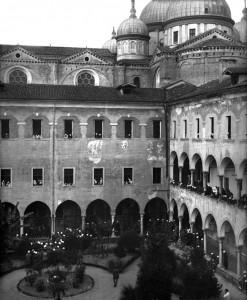 Malati nella caserma Vittorio Emanuele III (ora Salomone), ovvero il chiostro di S. Giustina