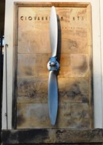 Lapide dedicata all'aviatore Giovanni Monti nell'omonimo velodromo di Padova