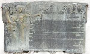 Bollettino della Vittoria sul monumento ai Caduti di Codevigo